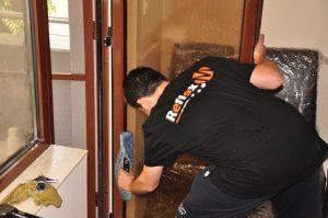 Защо да наемем професионален екип за измиване на прозорци