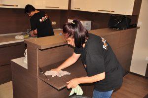 3 често срещани грешки при почистване на мебели от фурнир