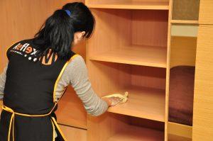 Как да извършим почистване на мебели от ПДЧ с професионален резултат