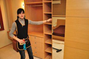 Чистене по домовете – цени на услугата от професионална фирма