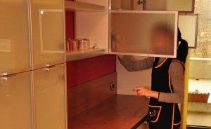 Чистене на матирани стъкла – качествена грижа за тези декоративни плоскости