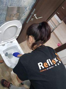 Почистване на котлен камък от тоалетна чиния – можем ли да се справим сами?