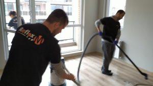 3 ефективни средства за почистване на ламинат след ремонт